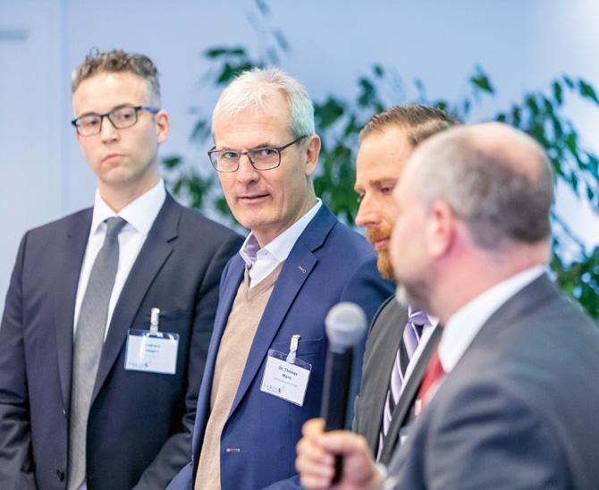 Infra inside: Andreas Siegert, Dr. Thomas Mann, Dimitar Lambrev und Martin Dürr (von links nach rechts) im Erfahrungsaustausch.