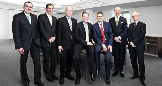 Im Bild zu sehen von links nach rechts: Bernd Vorbeck (Universal-Investment), Patrick Eisele (portfolio institutionell), Dr. Andreas Kretschmer (Ärzteversorgung Westfalen-Lippe), Clemens Schuerhoff (Kommalpha), Herwig Kinzler (Mercer), Dr. Rolf Wickenkamp (DB Private Equity), Dr. Dirk Söhnholz (BAI).