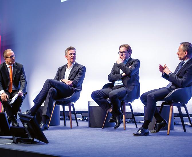 Alternatives Quartett: Moderator Rolf Dreiseidler sowie die Investoren Stefan Schütte, André Pfleger und Frank ¬Egermann (v.l.n.r.) diskutieren Neuerscheinungen auf dem Markt für Alternatives. (Bild: BAI)